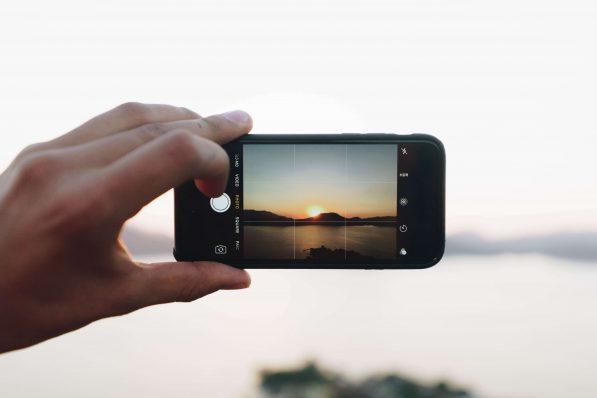 maintain confidence in wake social media